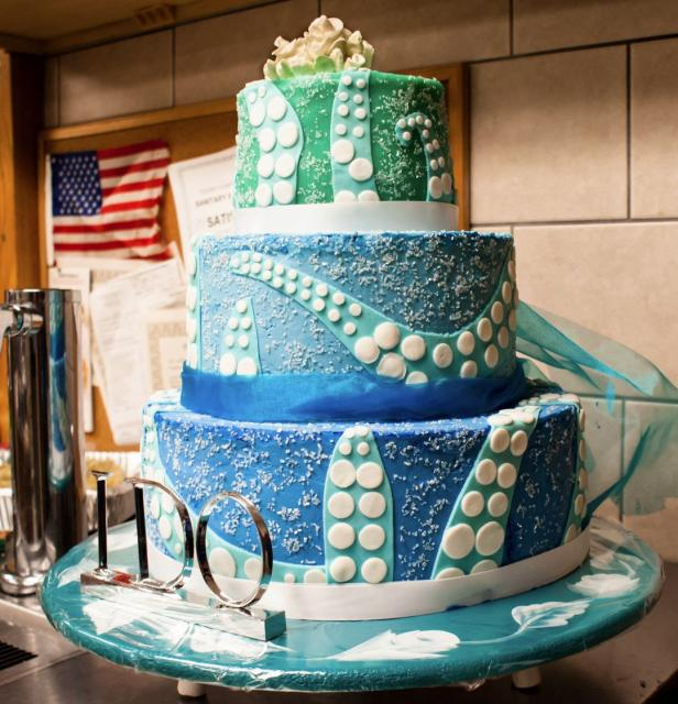 lime green and blue wedding cakes 3 tier blue and green wedding cake with tentacles patterns 16894