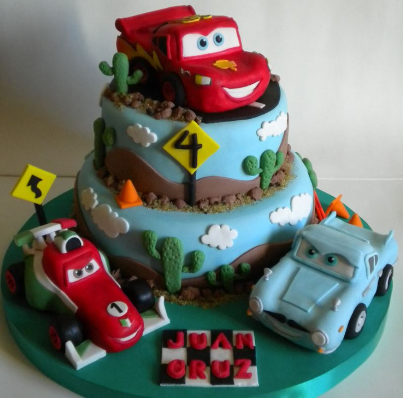 Cars cake with Lightning McQeen Francesco Bernoulli and Finn McMissile.JPG