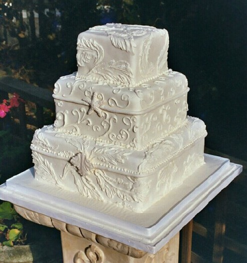 Square Boxes Wedding Cake In Cream Color