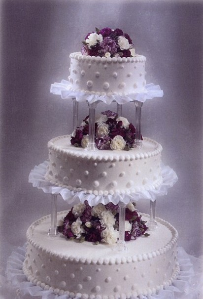 Classic And Elegant Wedding Cake Picture