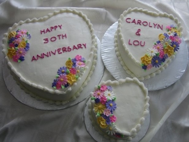 Heart shaped anniversary cakes photos g comments