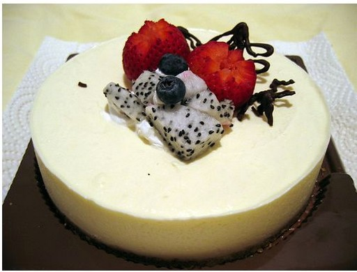Tofu Cheese Cake with fresh fruits.jpg