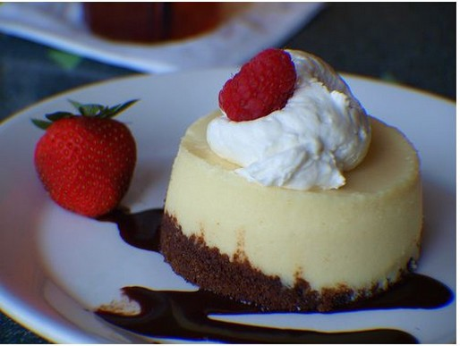 cheese cake icing with berries.jpg
