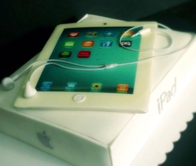 Apple iPad cake with box.JPG