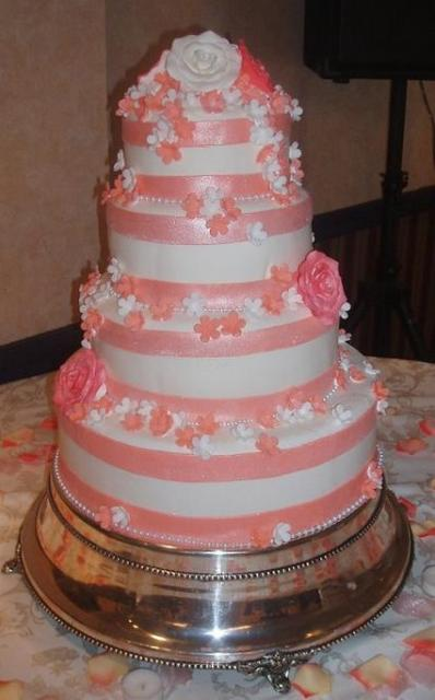 wedding cake light pink roses wedding cake with light pink flowers 23085