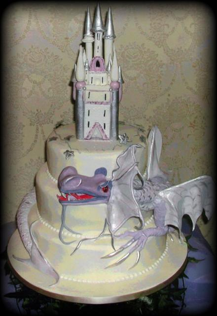 wedding cake dragon castle and wedding cake 22547
