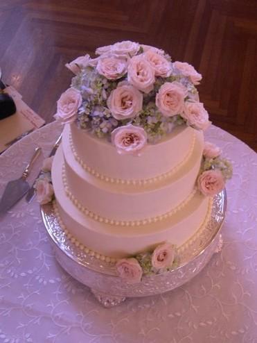 3 Layer Roses Wedding Cake