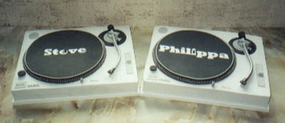 wedding cake personalised Turntables-novelty shape pic