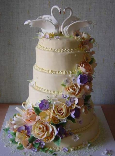 Images Of Beautiful Cake Designs : beautiful wedding cakes with swans