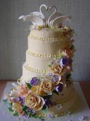 beautiful wedding cakes with swans