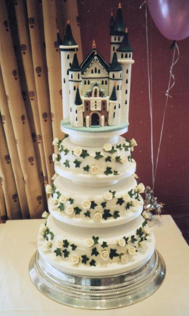 Hd Images Of Big Cake : big castle wedding cake Hi-Res 720p HD