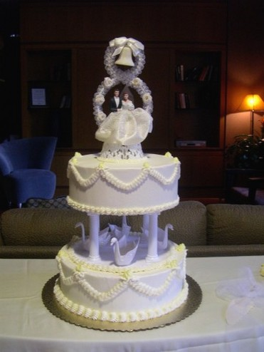 Swan Cake Stands For Wedding Cakes