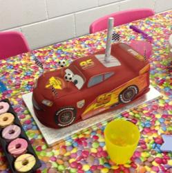 Sculpted birthday cake Lightning McQueen.JPG
