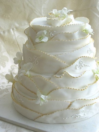 Modern Wedding Cake Picture With Very Cool And Interesting