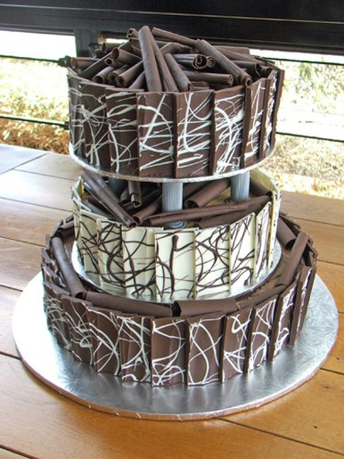 White And Dark Chocolate Wedding Cake With Very Cool And Modern Design
