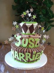 lime green wedding cake with stars