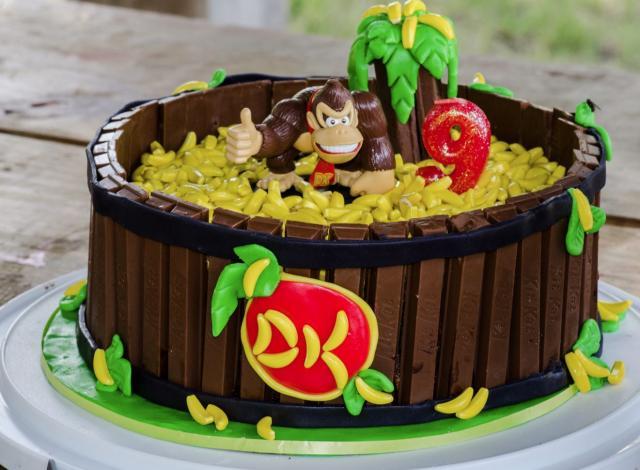 Excellent Donkey Kong Kit Kat Cake Jpg Hi Res 1080P Hd Funny Birthday Cards Online Amentibdeldamsfinfo