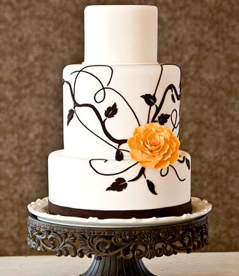 Almas grises - Philipe Laudel White+three+tier+wedding+cake+with+black+tree+branch+and+leaves+decor