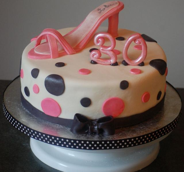 Picture of Pink shoe woman's 30th birthday cake
