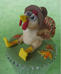 Turkey Cupcake looking so cute.JPG