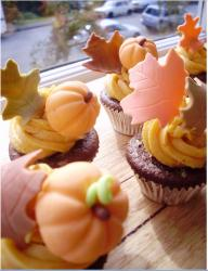 Close up picture of Thanksgiving Cupcakes.JPG