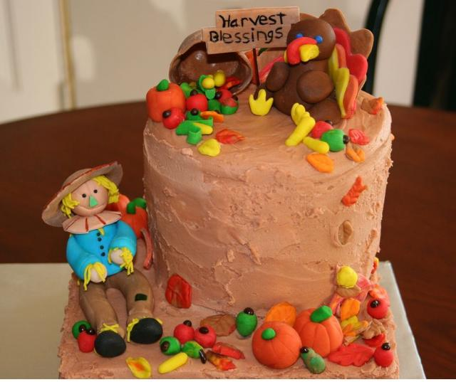 Harvest cake with cool cake decor with Thanksgiving theme.JPG