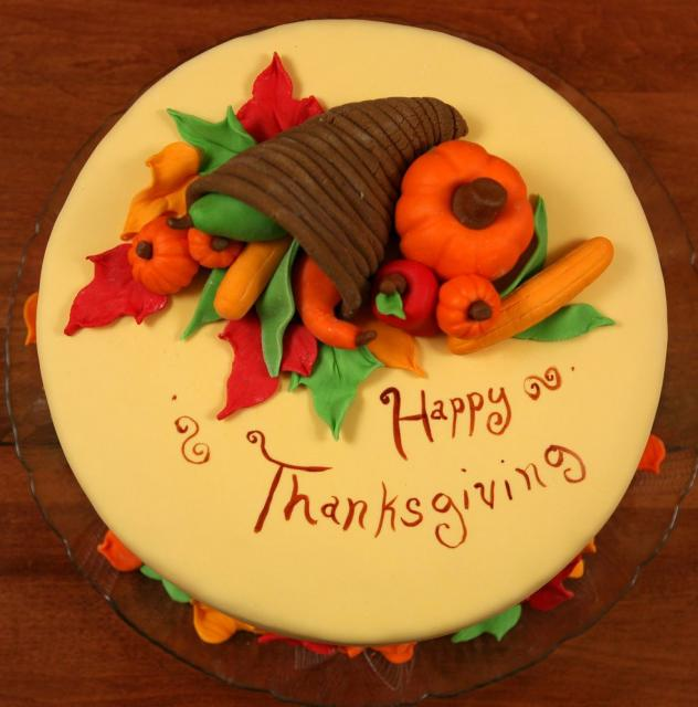 Cake Decorating Ideas For Thanksgiving : Thanksgiving Cake with colorful decor.JPG (1 comment) Hi ...