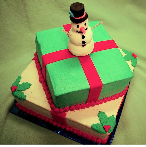 Colorful snowman christmas cake photo.JPG