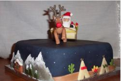 Decorated christmas cake image.JPG