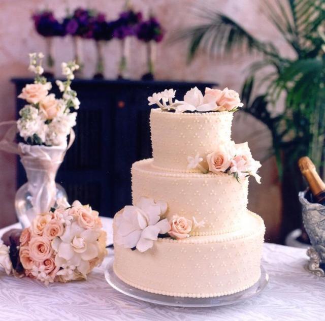 wedding cakes austin