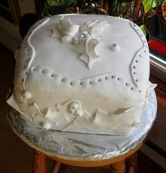 White Christmas Cake photos.JPG