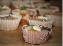 Christmas cup cakes photos.JPG