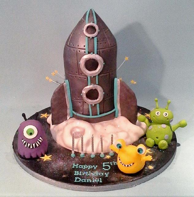 Groovy Rocket Ship Aliens Theme 5Th Birthday Cake Jpg Hi Res 720P Hd Funny Birthday Cards Online Overcheapnameinfo