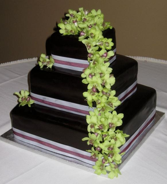 square wedding cakes with fresh flowers three tier chocolate fondant wedding cake in square shape 20421