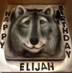 Dog or Gray Wolf-face cake.JPG