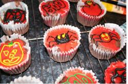 Red halloween cupcakes image.JPG
