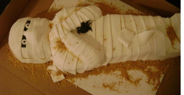 Whole body mummy cake for halloween.JPG