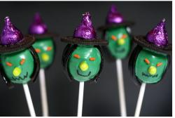 Witch Cake Pops pictures.JPG