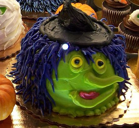 Witch face cake for halloween.JPG
