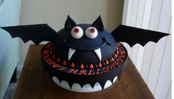 Big Halloween Bat Cake photo.JPG