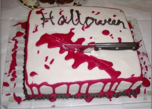 Bloody halloween cake with knife.JPG
