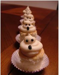 Cupcakes for halloween pic.JPG