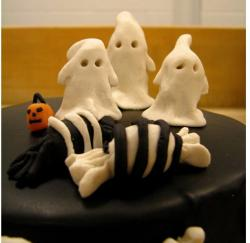 Dark chocolate halloween cake with ghost.JPG
