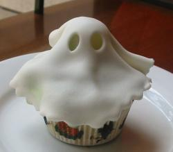 Ghost cupcake pictures.JPG
