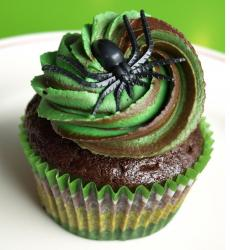 Green halloween cupcake black spider top.JPG