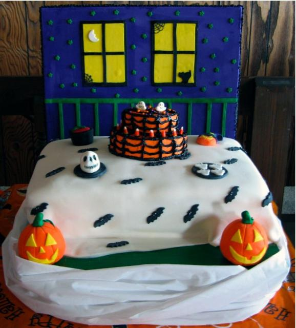 Halloween cake decorating.JPG