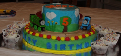 Thomas and friends with cupcakes.PNG