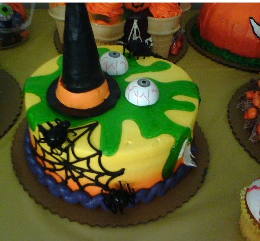 Halloween cakes pictures.JPG