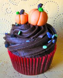 Halloween cupcakes photos.JPG