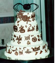 Halloween wedding cake photo.JPG